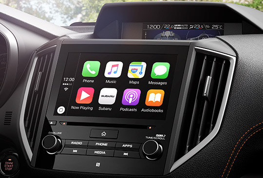 Apple CarPlay<sup>*3</sup> and Android Auto™<sup>*4</sup>
